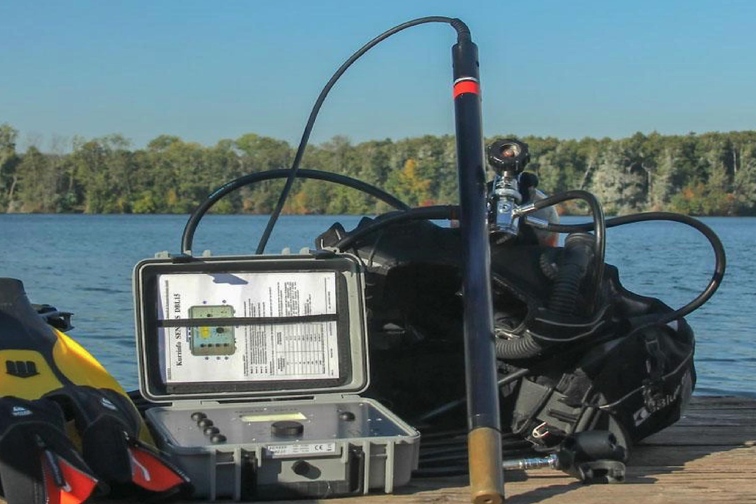 Unidad robusta y compacta con caja IP67, para operar la sonda FGM400/38.